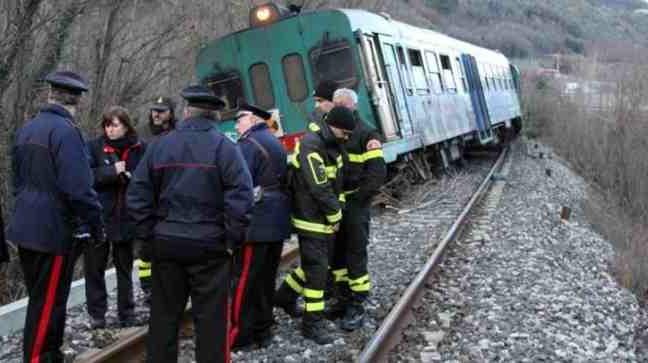 Treno 6953 deragliato vicino Lucca - 06_01_2012